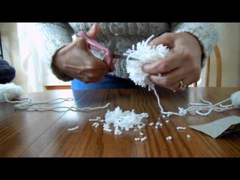 How to Make a Pom Pom Using a Piece of Cardboard