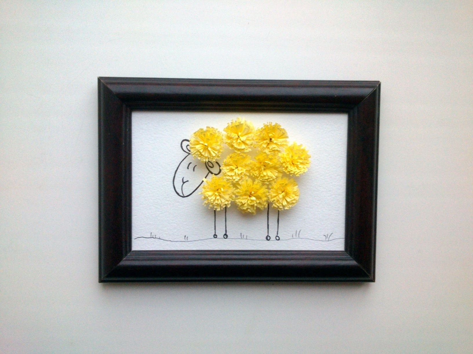 Paper Quilling Design: How to make quilling wall decor with a quilling sheep.