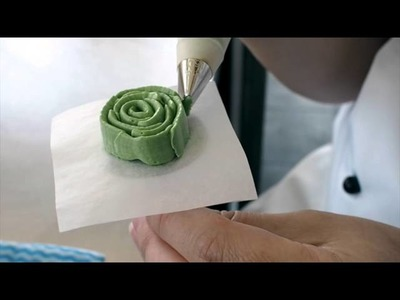 How to Pipe Buttercream Succulents