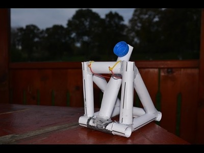 How to make a mini catapult from paper-Cum sa faci o mini catapulta din hartie (Tutorial)