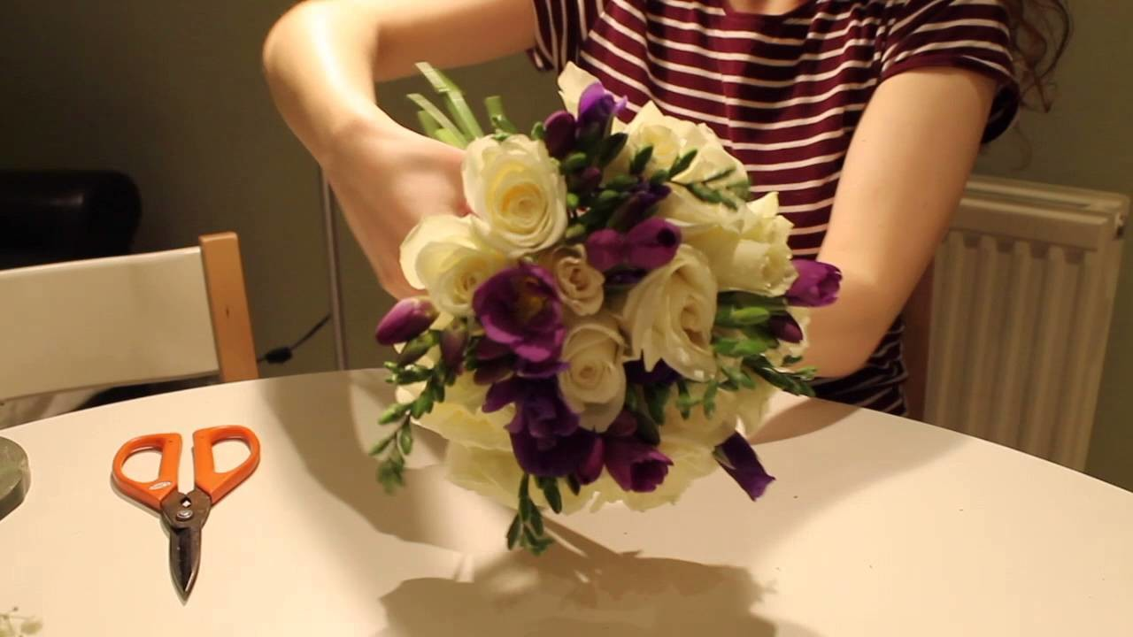 How to make a wedding bouquet