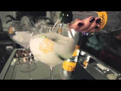 How to make your own Veuve Clicquot Rich drink #RichandFancy #cheerstotheweekend