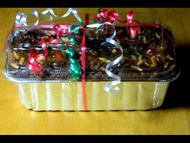 How to Wrap a Fruit Cake for Holiday Gift