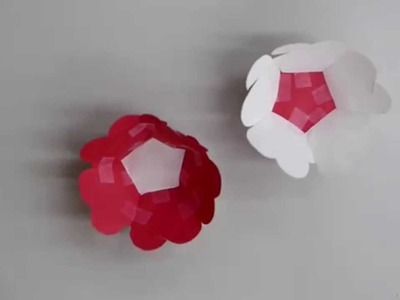 Making a Paper 3D Christmas Ornament