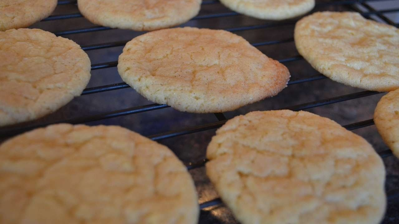 How To Bake Gluten-Free Snickerdoodles - DIY Crafts Tutorial - Guidecentral