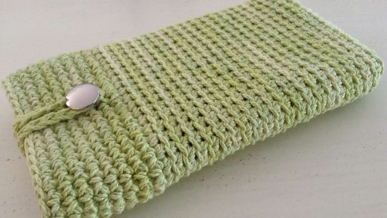 How To Crochet A Phone Cover - DIY Crafts Tutorial - Guidecentral