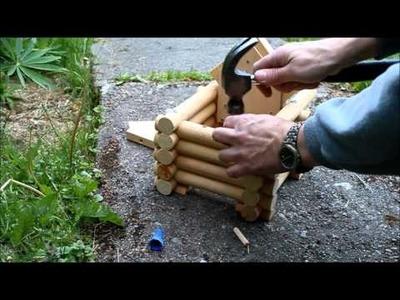 DIY Full-Scribe log house bird feeder