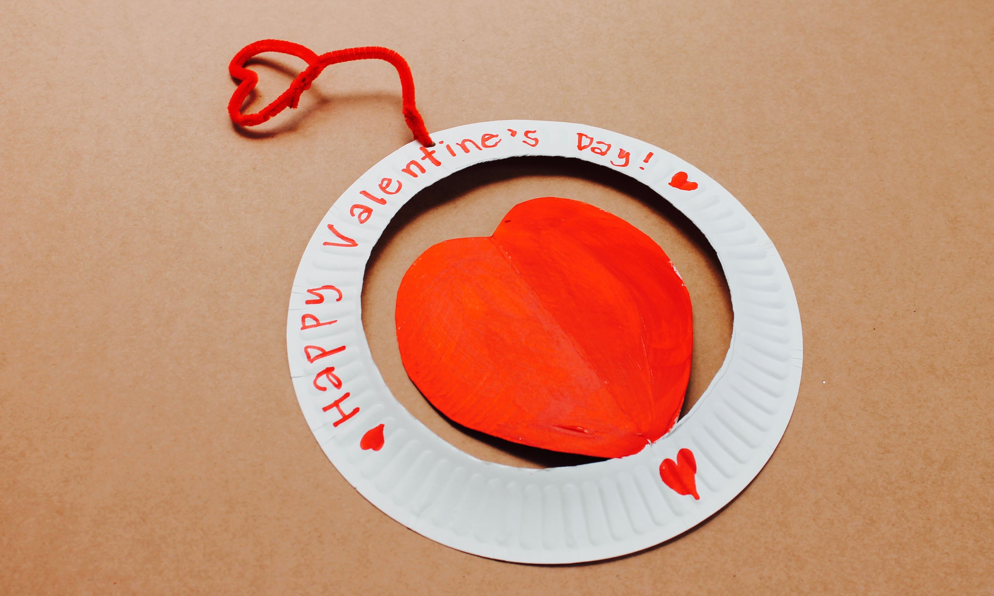 Valentine's Day craft: How to make a paper plate Valentine