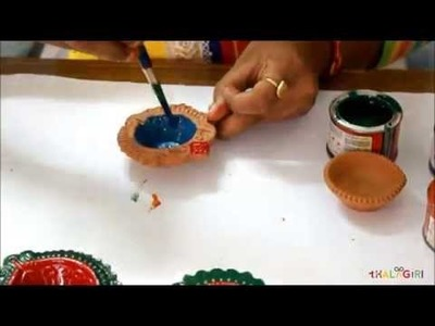DIY : How to color and decorate Diwali Diya