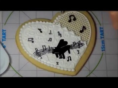 How to decorate a Heart-Shaped Piano Silhouette cookie