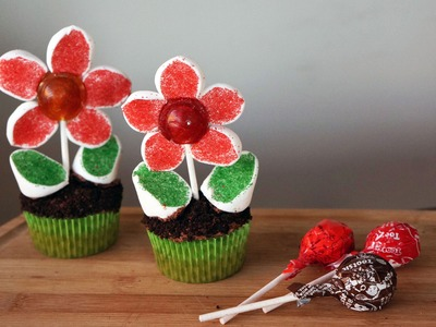 How to Make Lollipop Flower Cupcakes