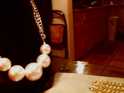 DIY Make this beautiful pearl and chain necklace