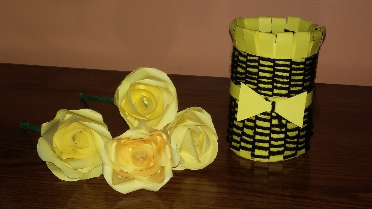 Make a beautiful vase out of paper and yarn wool. DIY homemade vase