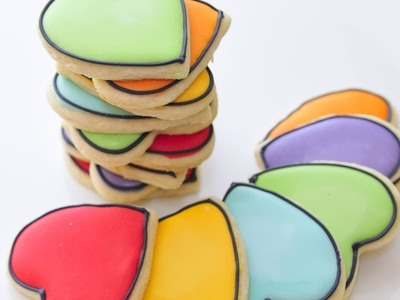 How to thin down the royal icing into desired consistency :15 Second Royal Icing