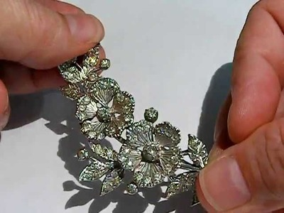 Vintage Jewellery and how to date a vintage brooch from the catch