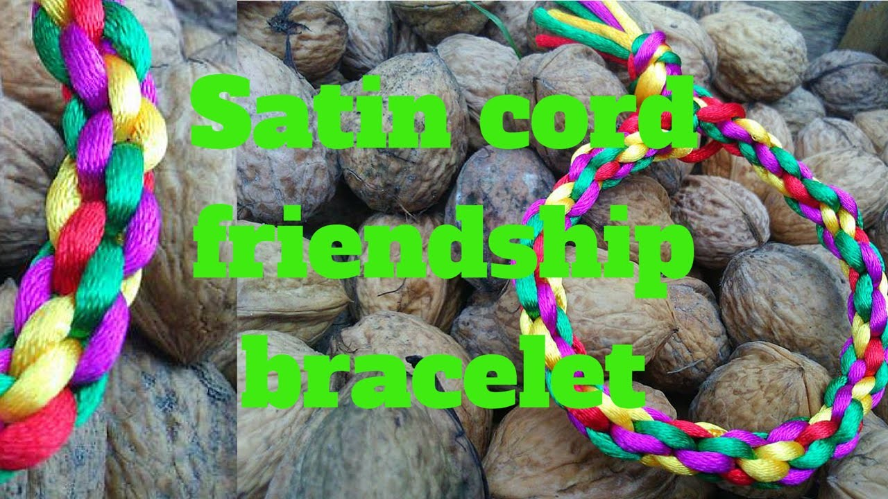 Satin cord friendship bracelet diy (Englisch)