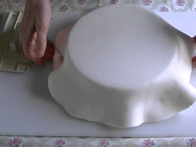 How to ice a cake in fondant - basic tutorial How To Tutorial Zoes Fancy Cakes