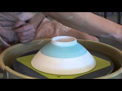156. Glazing a 3lb Chattering Texture Bowl with Hsin-Chuen Lin
