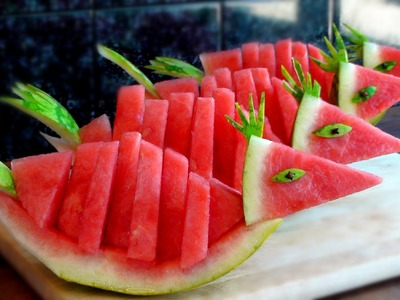 HOW TO QUICKLY CUT AND SERVE A WATERMELON BIRDS!!!!!