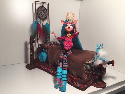 Here's My MONSTER HIGH ISI DAWNDANCER DOLL BED
