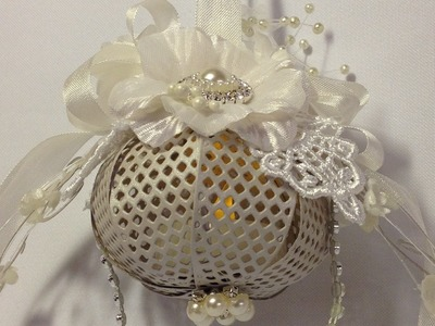How to Make a Lighting Ornament with a Bow Die