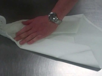 How to make a Swan Napkin for presentation
