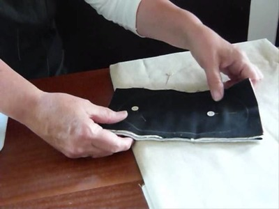 How to make a Mini Mitt - Quilting Tips & Techniques 137