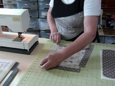 How to make a Simple Flanged Cushion using delicious fabrics! - Quilting Tips & Techniques 063