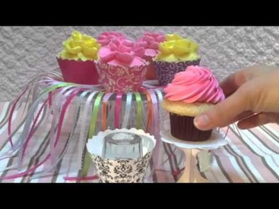 How to use cupcake wrappers without getting frosting on them by Bella Cupcake Couture