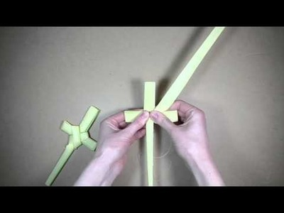 Palm folding: How to make a palm cross