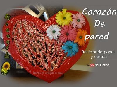 Corazón de pared reciclando papel y cartón - Heart wall paper and cardboard recycling