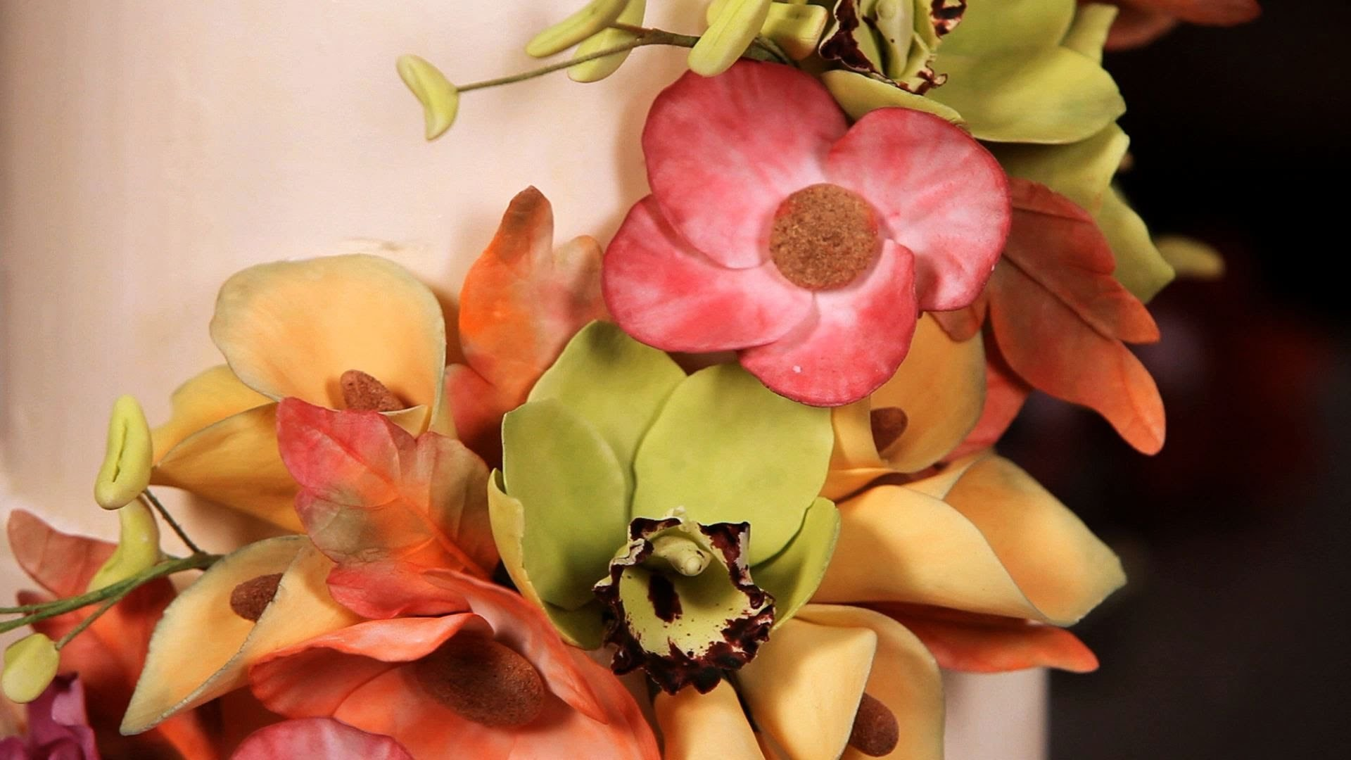 How to Make an Orchid Center Column | Sugar Flowers
