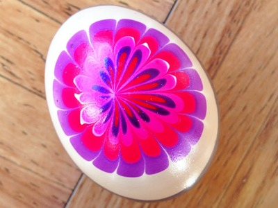 Egg decoration with nail polish and water marble?!