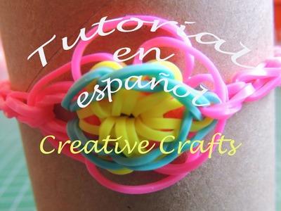 Como hacer una pulsera de gomitas con flor. Bracelet Rainbow Loom Flower.