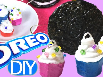 How to make Oreo y cupcakes charms using hot glue and Play Doh