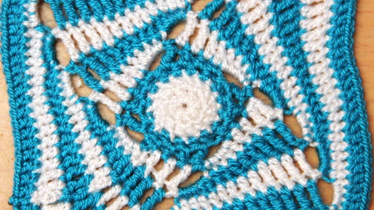 How To Crochet A Helix Pattern. - DIY Crafts Tutorial - Guidecentral