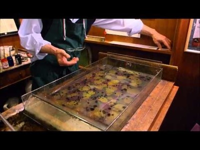 VIDEO JOURNAL [2014.11] Marbleizing Paper Demonstration at Il Papiro Firenze