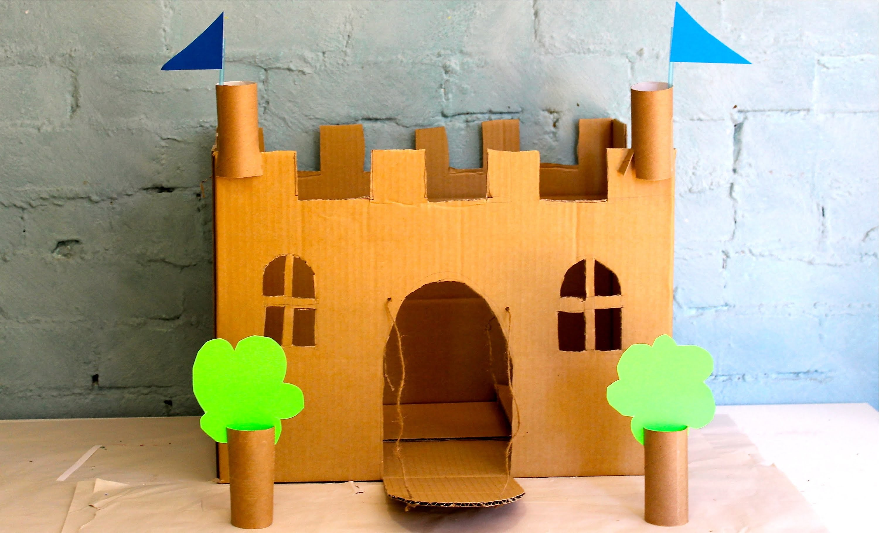 How to make your own cardboard play castle my crafts and for Build your own castle home