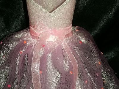 DIY Wedding Decorations - Glittered Wine Glasses - The Bridesmaid No2  - Prom Dress