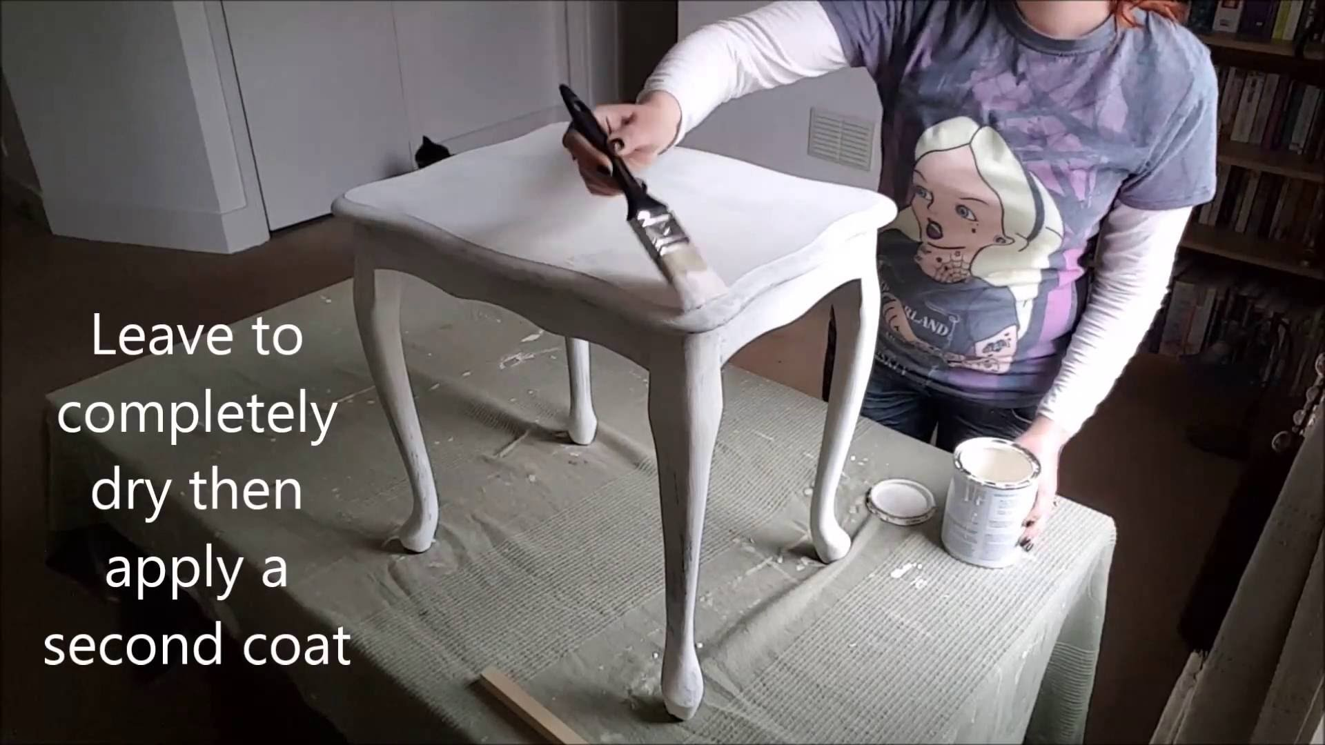 DIY French shabby chic table makeover in Annie Sloan Chalk Paint Tutorial