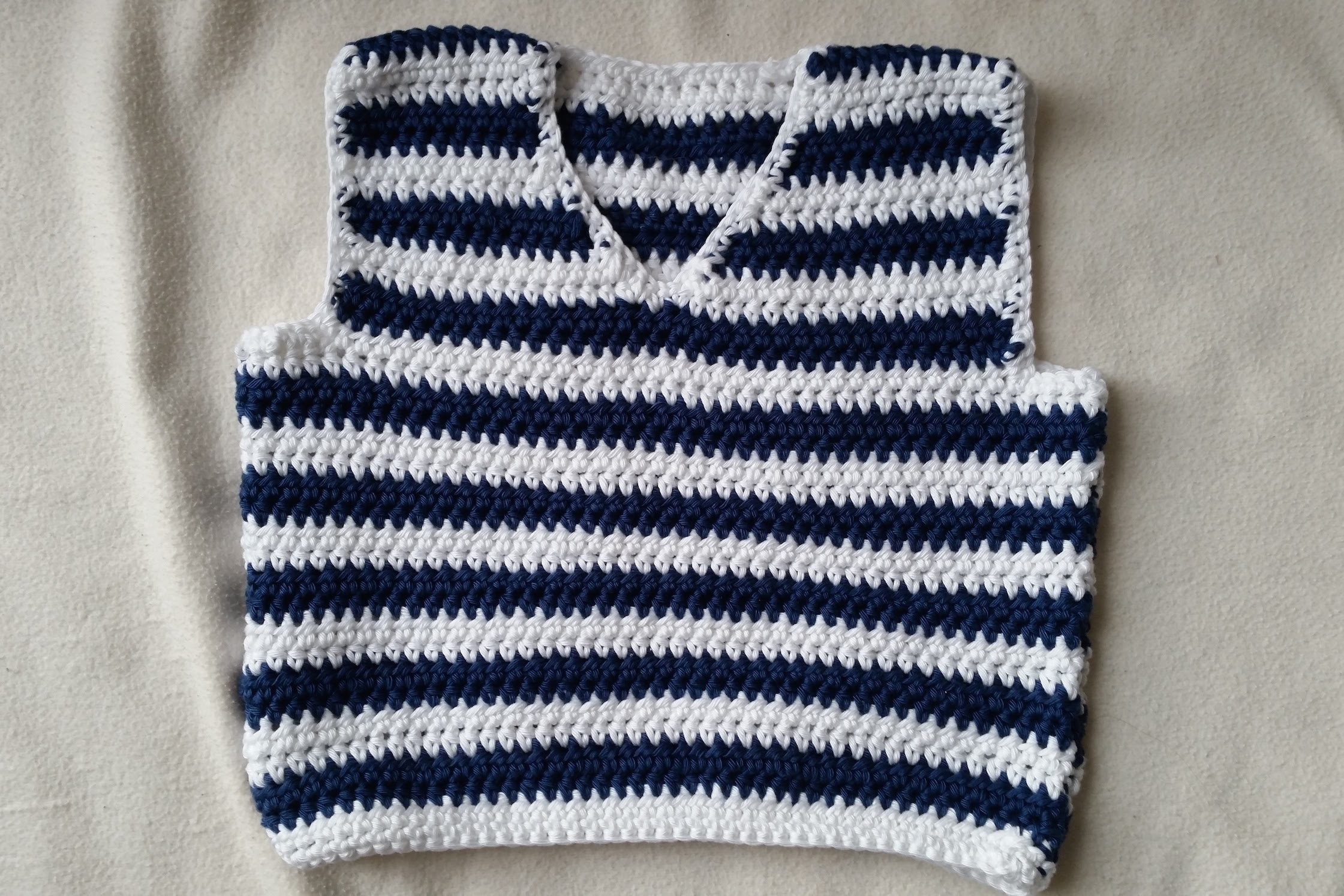 How to crochet a sleeveless jumper - Part 3 - Sewing by BerlinCrochet