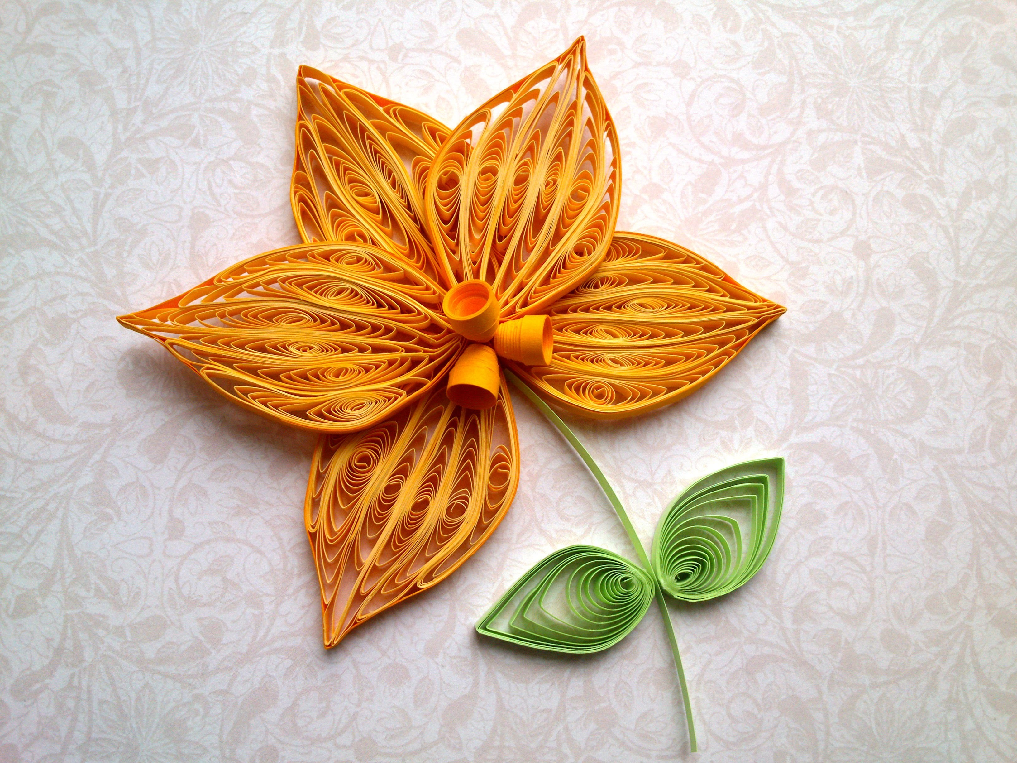 Quilling Flowers Tutorial: How to make a Orchid with a paper stripe. Quilling Orchid making