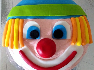 How to Make a Clown Birthday Cake