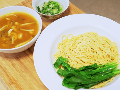 How to Make Authentic Lo Mein Noodles in 5 Minutes, CiCi Li