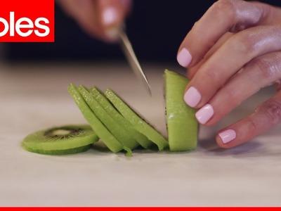 How to peel a kiwifruit the easiest way
