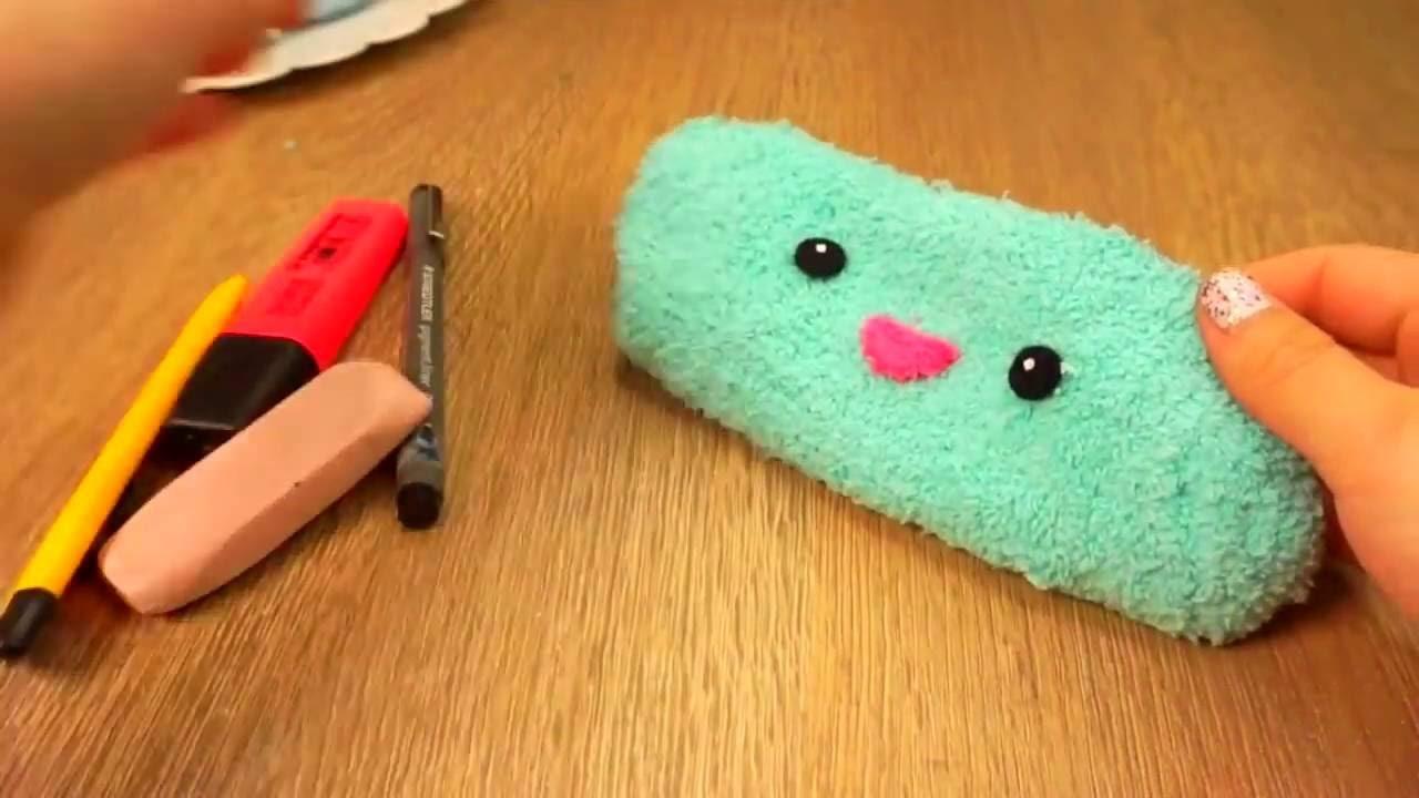 Easy DIY NO SEW Fluffy Pencil Case or Make Up Bag!! Make DIY Emoji School Supplies!