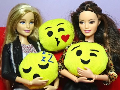 Emoji pillows for dolls How to make emoji pillows for your dolls DIY For Dolls