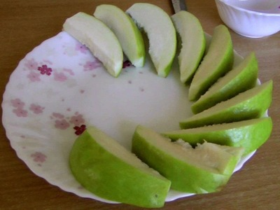 How to Cut and Eat an Apple Guava | Psidium guajava | Video