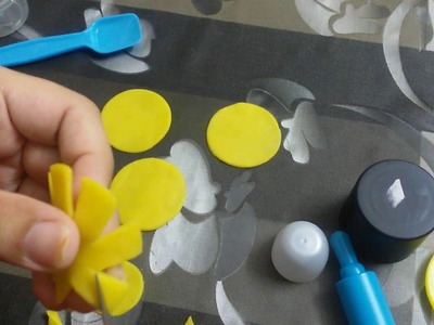 How to make sun flower with play dough