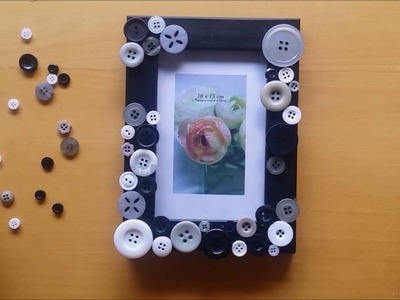 DIY Photo frame with buttons